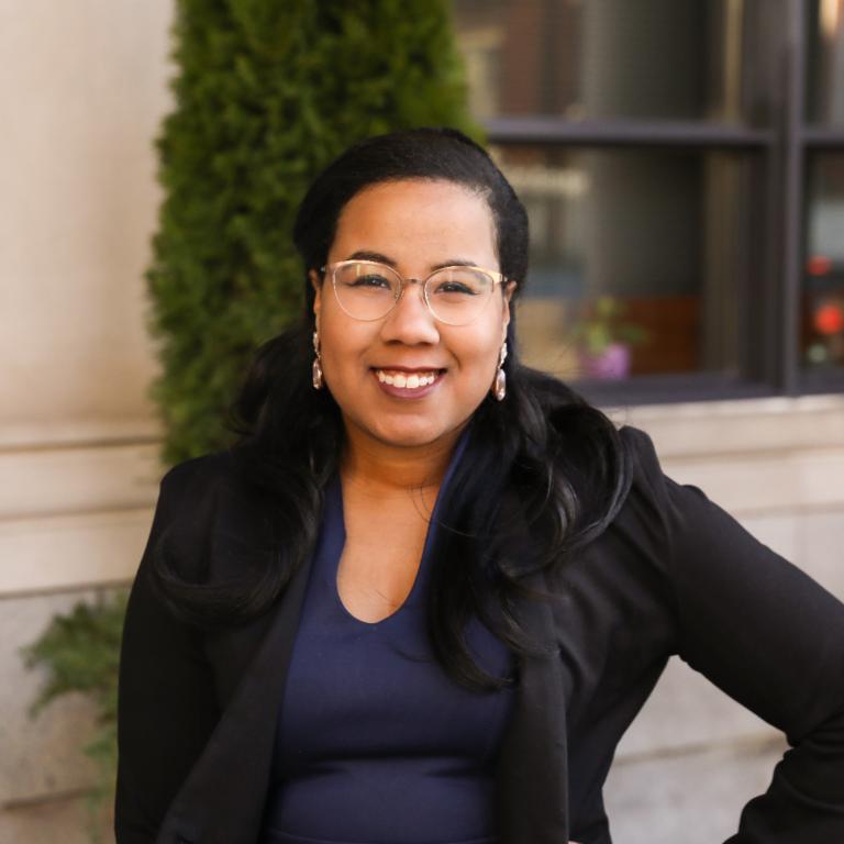 Kelly F. Vieira