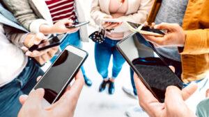 gen z on phones