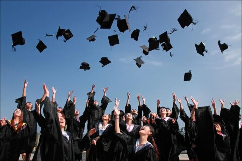 university-student-graduation-photo-hats