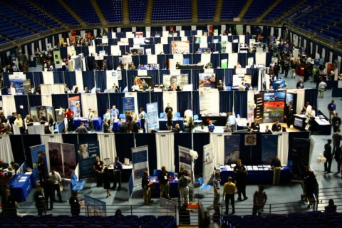 career-fair-image-thumb-2048×1360-339613