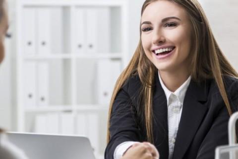 make-winning-small-talk-in-a-job-interview-810×380