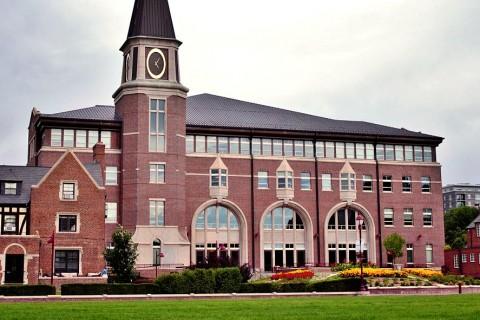 1200px-University_of_Denver_Sturm_College_of_Law