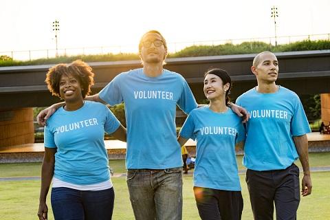 volunteers-arms-around-1451437-pxhere.com