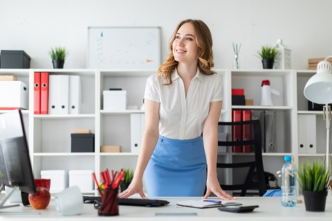 young-business-businesswoman-office-standing-1456583-pxhere.com