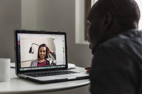 man-woman-video-chat