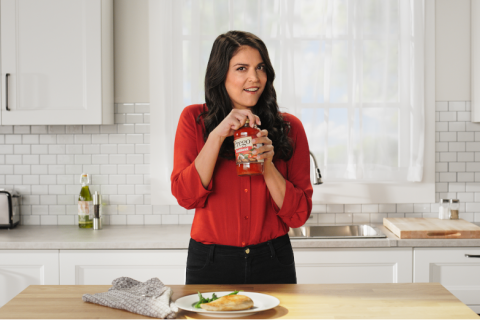 SNL's Cecily Strong Pours It on Thick for Prego Italian Sauces – Adstream thumbnail image