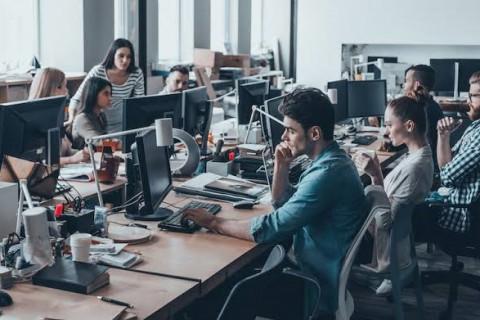 50 startups on the rise – LinkedIn thumbnail image
