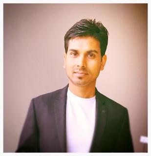 Anand Gupta headshot