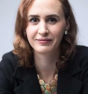 Sarah Carson headshot